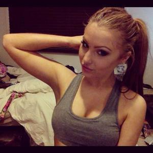 Vannesa is looking for adult webcam chat
