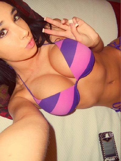 Winona from Dover, New Hampshire is looking for adult webcam chat