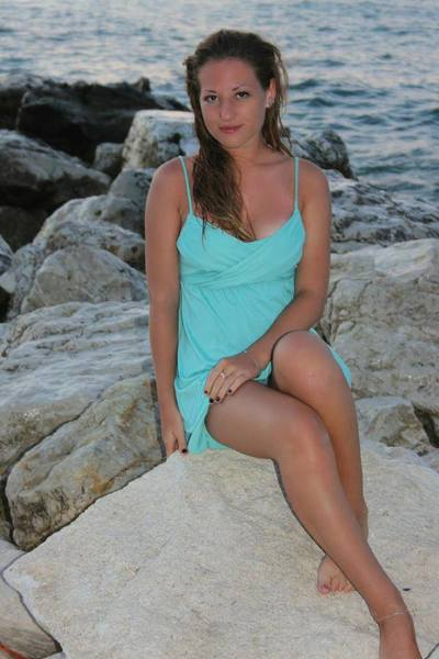 Migdalia from Dutton, Virginia is looking for adult webcam chat