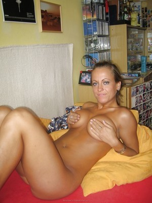 Giuseppina from California is looking for adult webcam chat