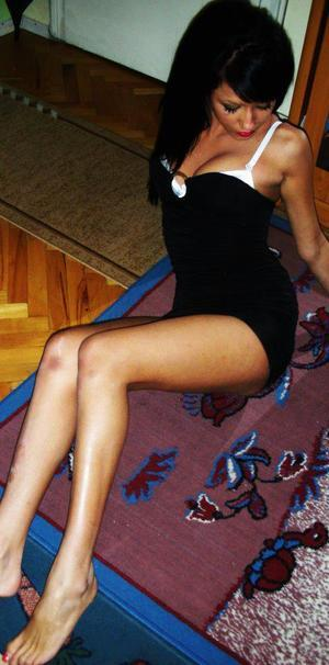 Arlena is looking for adult webcam chat
