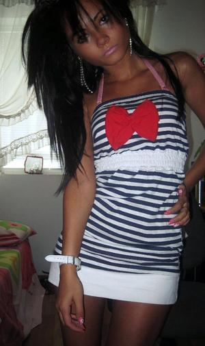 Kirstie from  is looking for adult webcam chat
