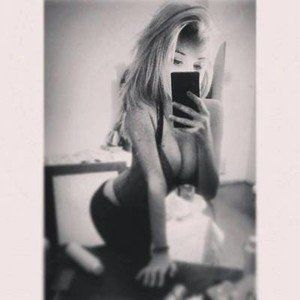 Claudie from Grandview, Washington is looking for adult webcam chat